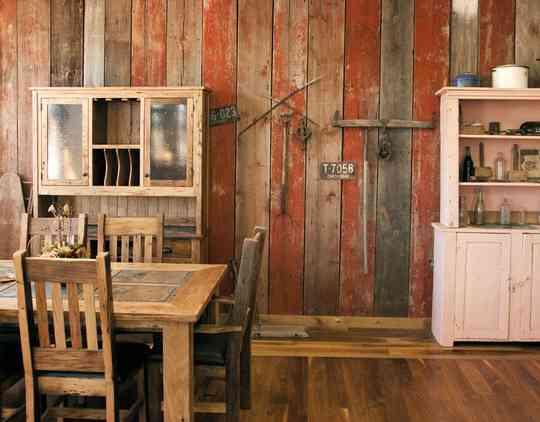 Paredes forradas en madera de colores blog totpint - Forrar paredes de madera ...