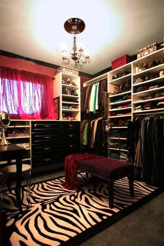 Pon un toque de glamour en tu vestidor 1