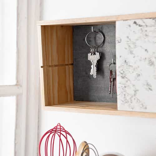 Realiza un mini armario para las llaves