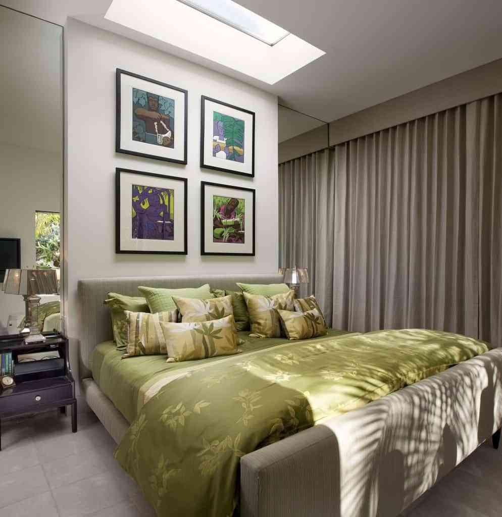 Decoración de un dormitorio pequeño elegante 1