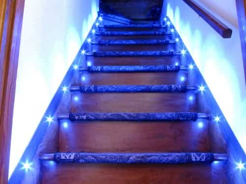Luces led para las escaleras - Escaleras con led ...