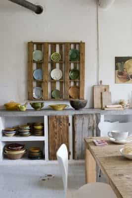 estante para platos con palets