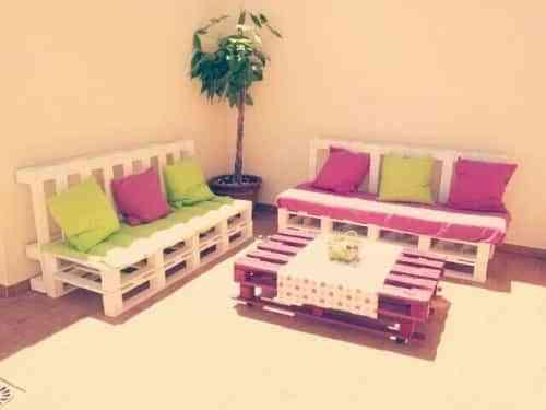 Reciclado sal n con palets decoraci n de interiores for Decoracion reciclaje interiores