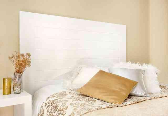 Un cabecero de cama de woodson decoraci n de interiores - Cabeceros de madera pintados ...