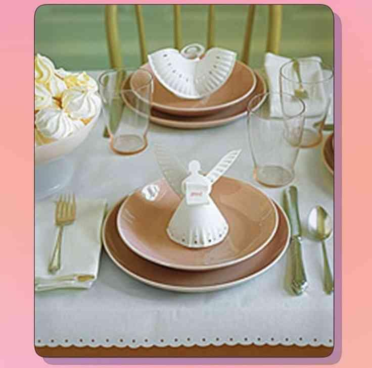 Diy un centro de mesa para la primera comuni n decoracion - Decorar mesas de comunion ...