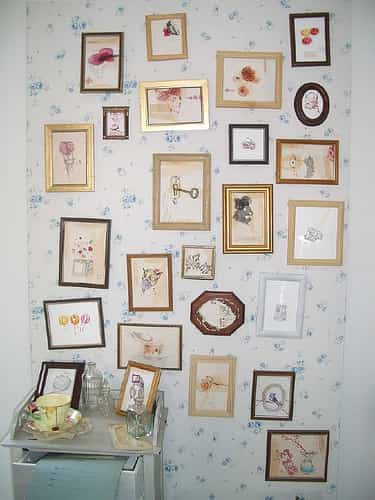 Decorar una pared con peque os cuadros blog totpint for Diseno de paredes con cuadros