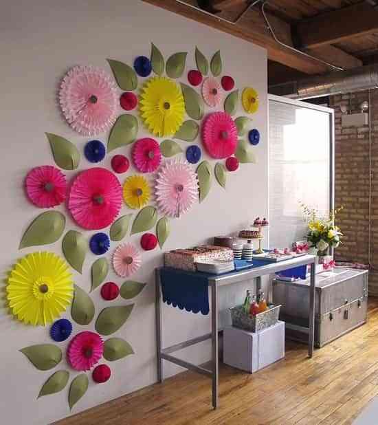 decorar la pared con flores
