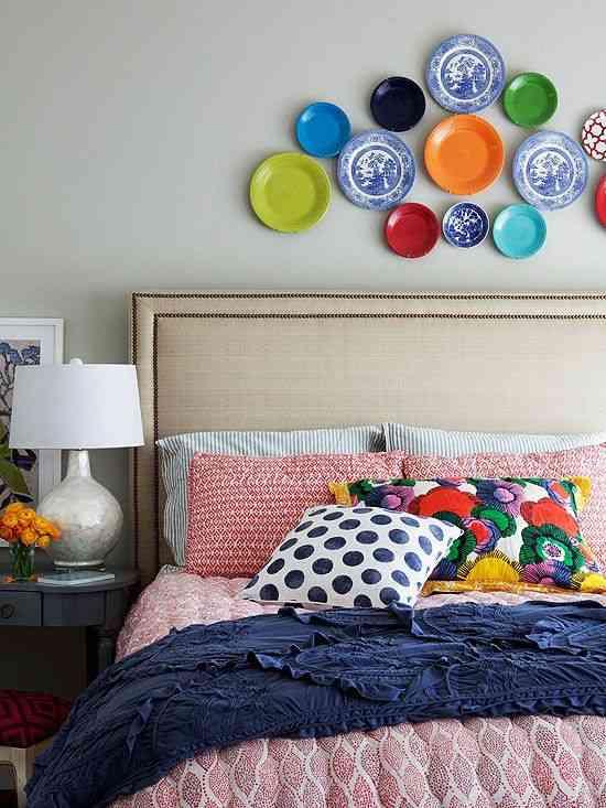 decorar dormitorio con platos