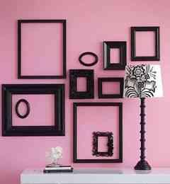 Marcos negros para decorar una pared decoraci n de - Marcos para pared ...