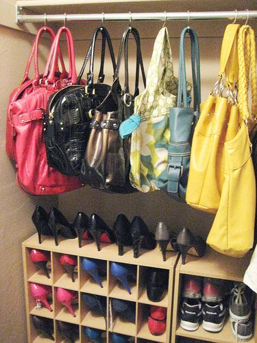 There are several ways in which to add some kick to your handbag display. Use custom knobs and hooks instead of the generic stainless steel sort you traditionally find in retail stores. For instance, vintage doorknobs add flavor to your store but also make excellent handbag hangers.
