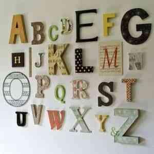 Decorar paredes con monogramas muy originales