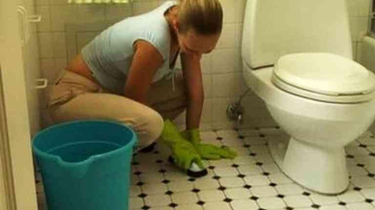 limpiar suelo de gres