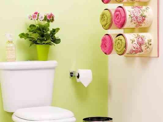 ¡Decora tu baño! Organizador de latas para las toallas