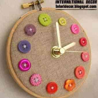 reloj hecho con botones