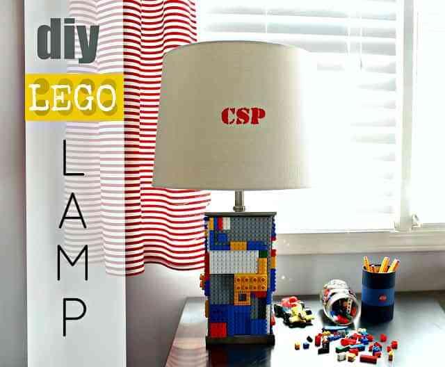 decorar con lampara de LEGO