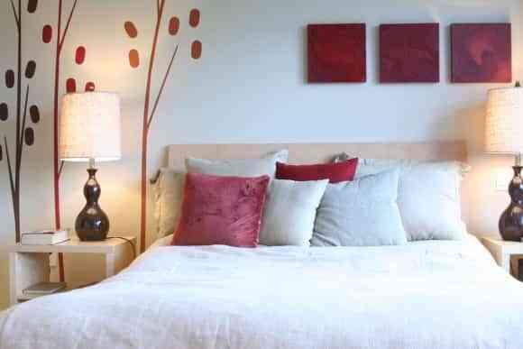 Cómo decorar una habitación matrimonial pequeña
