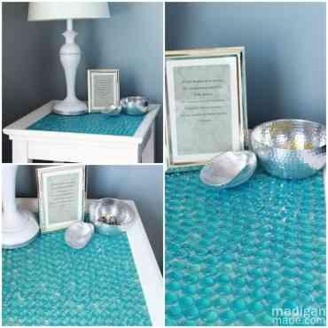 Cómo renovar una mesa auxiliar con canicas turquesa