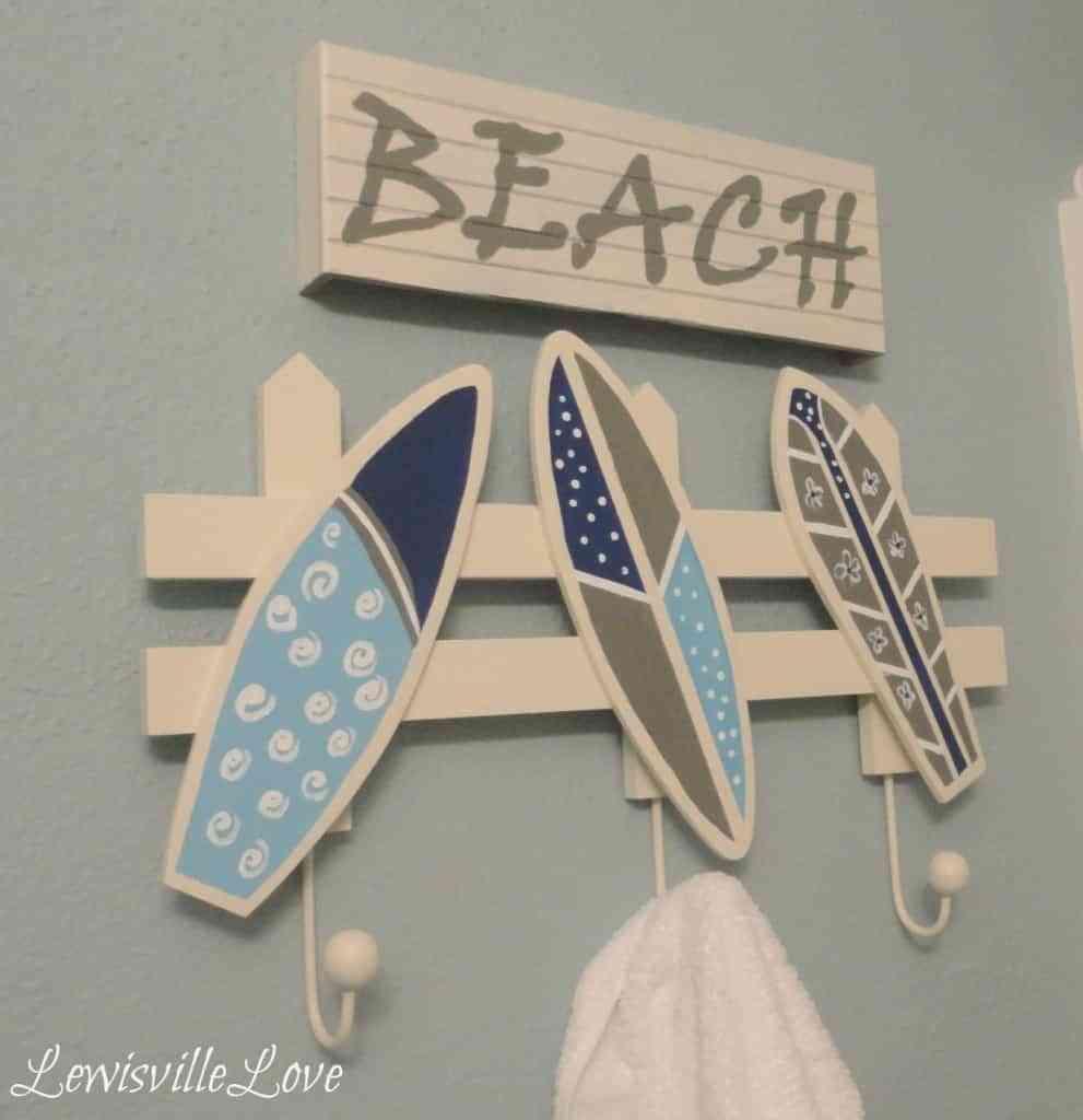 Un perchero original para decorar dormitorios infantiles - Perchero infantil pared ...