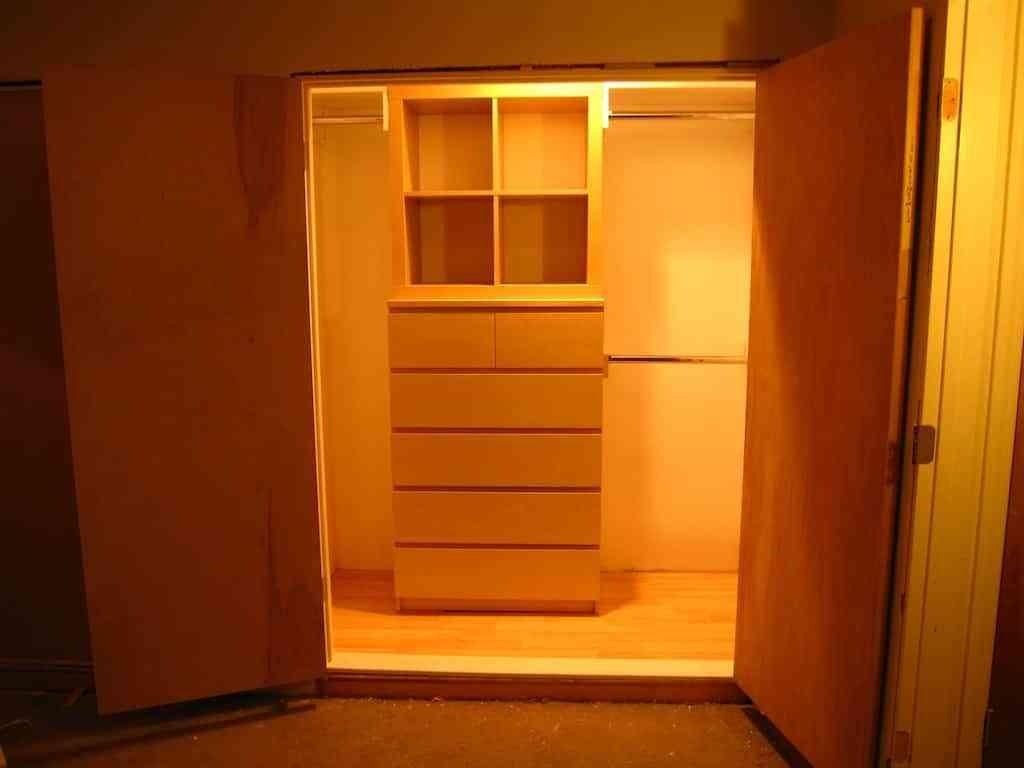 armario vacio