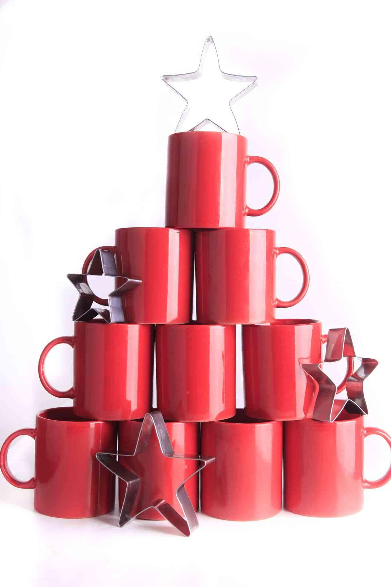 Rbol de navidad hecho con tazas - Arbol de navidad hecho en casa ...