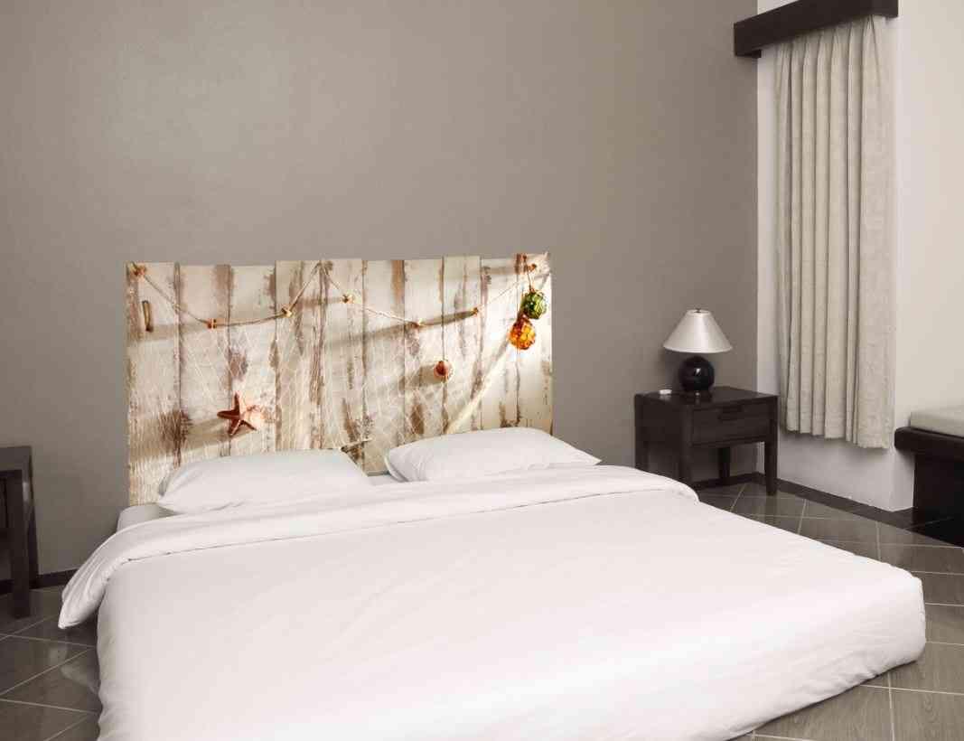 Cabeceros de cama con vinilos de pared for Reciclar una cama de madera