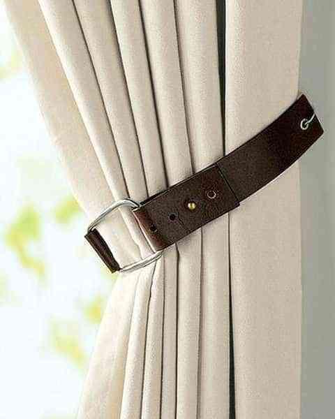 muebles reciclados con cinturones de piel -cortina