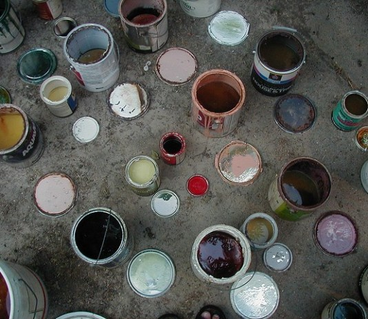 botes de pintura