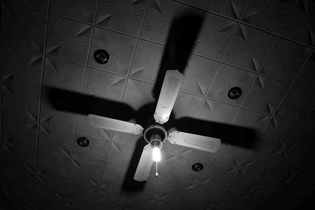 Colgar un ventilador
