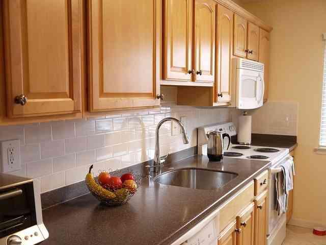 Trucos para limpiar los azulejos de la cocina - Trucos para limpiar azulejos ...