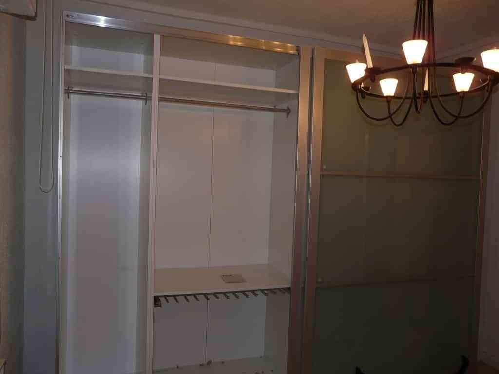 Paso a paso para que puedas forrar un armario for Forrar interior armario