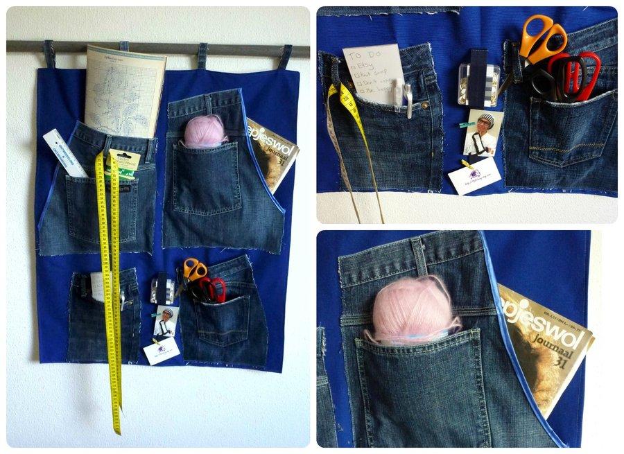 57d09f9dd6 Crea tu propio perchero con jeans que no utilices. perchero de tela vaquera