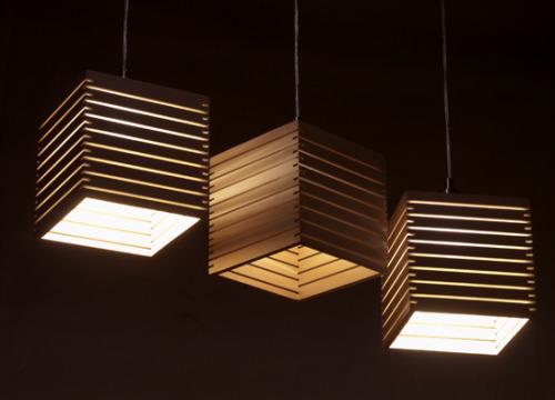 madera convertida en lámpara