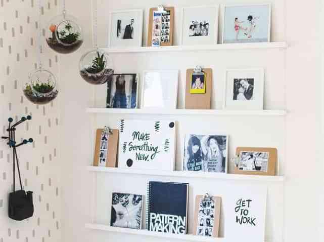 Adornar las paredes con finos estantes
