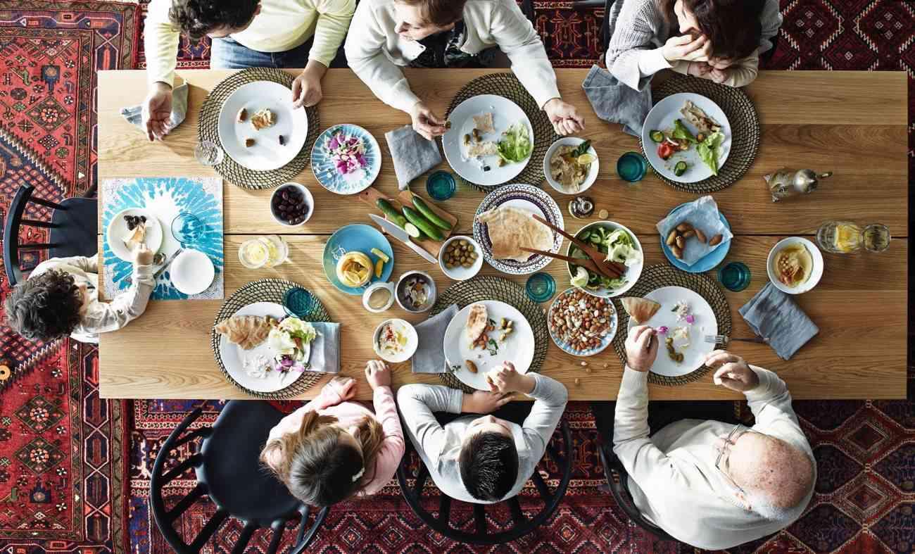nuevo catalogo IKEA - todos a la mesa decorada