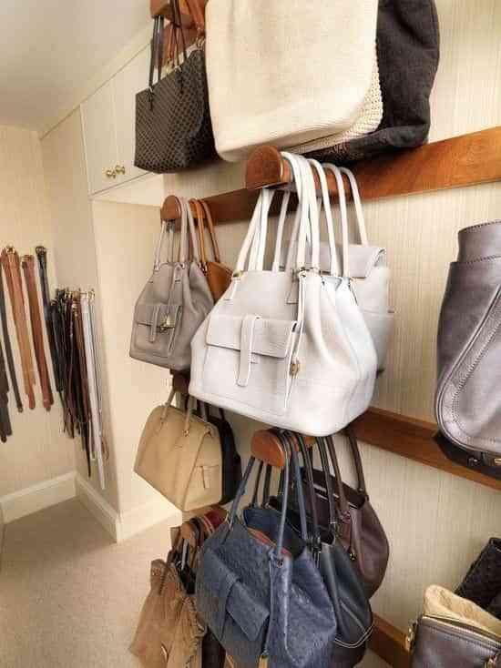 La soluci n definitiva para ordenar los bolsos en casa - Perchas para bolsos ...