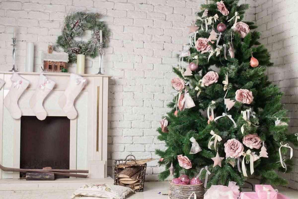 colgar-adornos-de-navidad