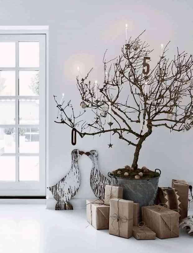 C mo hacer un rbol de navidad improvisado en el ltimo momento - Como decorar un arbol seco ...