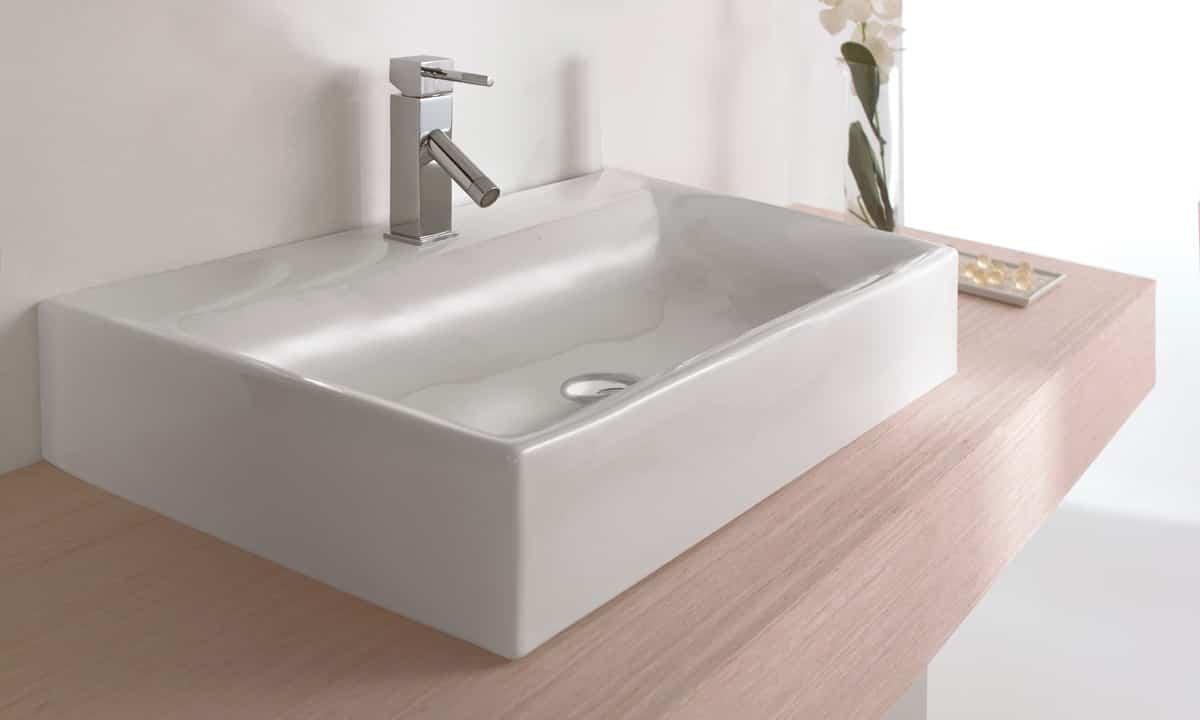 Cu l es tu tipo de lavabo para el cuarto de ba o ideal for Lavabos cuadrados sobre encimera