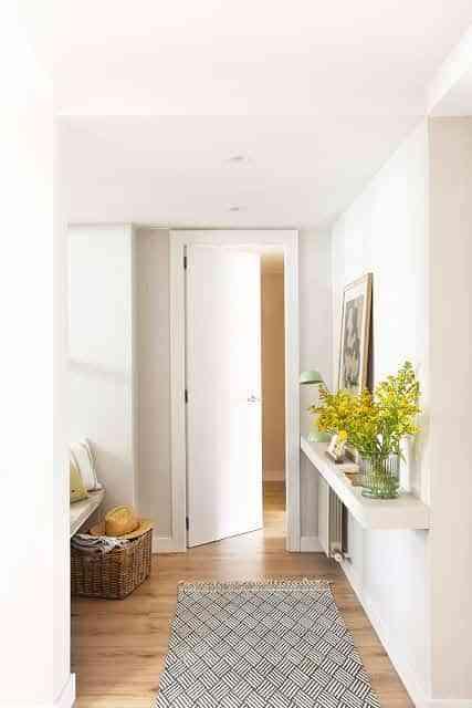 Cómo colocar baldas en el recibidor ¡y ganar espacio mientras lo haces!