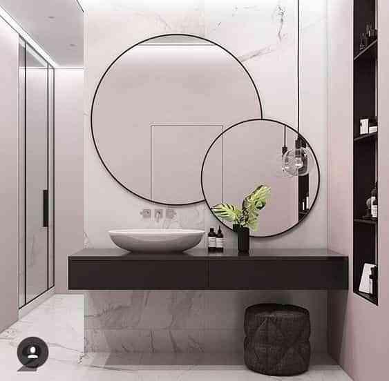 espejo en el bano IX