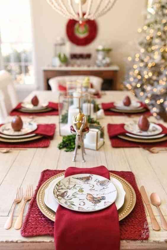 mesa navidena en blanco y rojo V