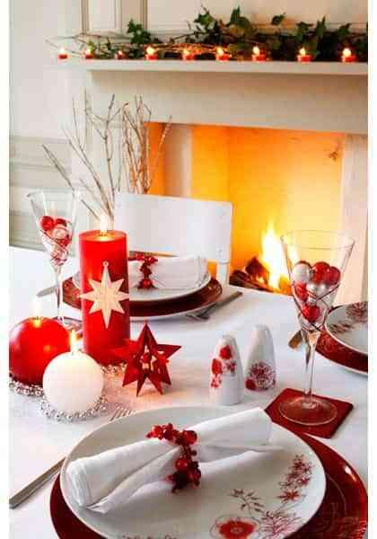 mesa navidena en blanco y rojo VII