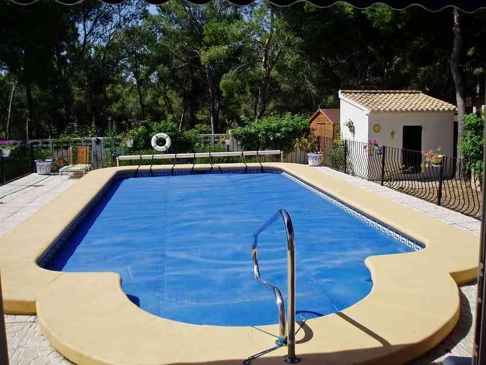¿Pensando en construir una piscina en casa? Estos son los principales consejos 2