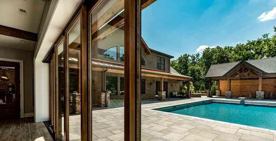 """¿Pensando en construir una piscina en casa"""" Estos son los principales consejos"""
