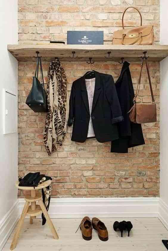 colgar abrigos en el recibidor V