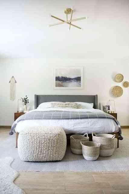 decorar los pies de la cama