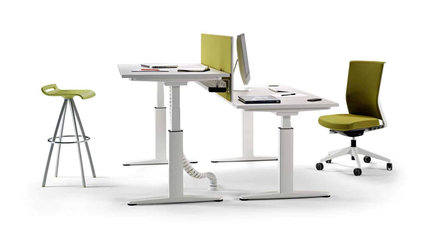 La mesa un elemento clave en cualquier oficina 3