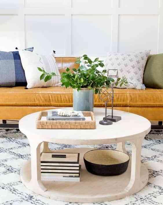 mesa de centro redonda en el salon VII