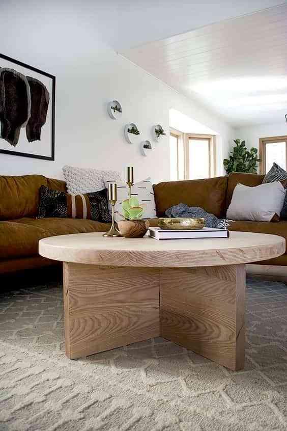 mesa de centro redonda en el salon