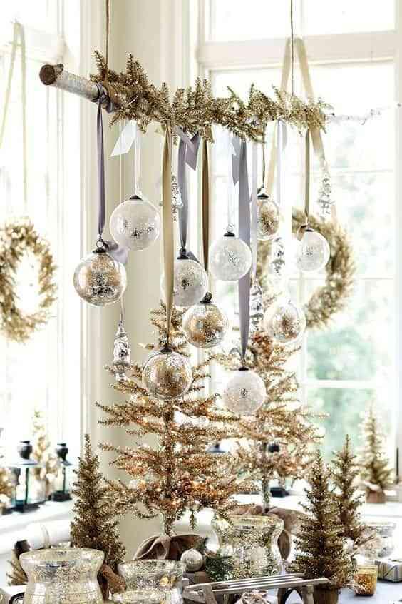 blanco y dorado en Navidad